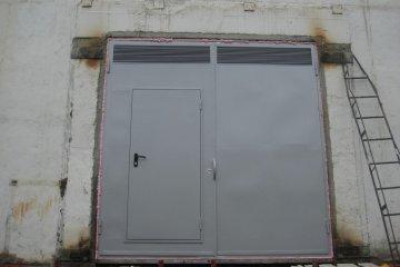 Двери производственные металлические