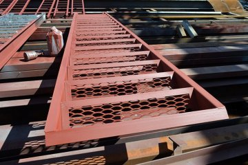 Металлические ступени для лестниц цена