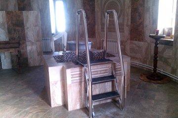 Лестница для бассейна из стали