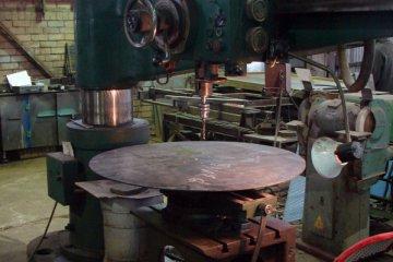 Сверловка отверстий в металле